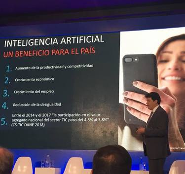 Foro inteligencia artificial y transformación digital de las industrias.